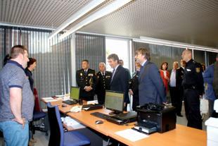 Ignacio cosid inaugur la oficina del dni de arganda for Oficina de empleo de arganda del rey
